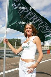 12.09.2004 Dijon, France, Sunday 12 September 2004, Grid girl - SUPERFUND EURO 3000 Championship Rd 7, Circuit Dijon-Prenois, France, FRA - SUPERFUND COPYRIGHT FREE editorial use only