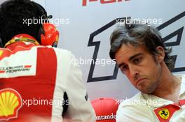 (L to R): Andrea Stella (ITA) Ferrari Race Engineer with Fernando Alonso (ESP) Ferrari. 04.04.2014. Formula 1 World Championship, Rd 3, Bahrain Grand Prix, Sakhir, Bahrain, Practice Day