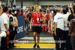 Max Chilton (GBR) Marussia F1 Team on the drivers parade. 21.09.2014. Formula 1 World Championship, Rd 14, Singapore Grand Prix, Singapore, Singapore, Race Day.
