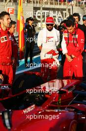 (L to R): Fernando Alonso (ESP) Ferrari with Andrea Stella (ITA) Ferrari Race Engineer on the grid. 23.11.2014. Formula 1 World Championship, Rd 19, Abu Dhabi Grand Prix, Yas Marina Circuit, Abu Dhabi, Race Day.