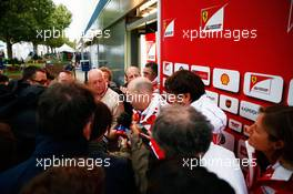 Jock Clear (GBR) Ferrari Engineering Director with the media. 18.03.2016. Formula 1 World Championship, Rd 1, Australian Grand Prix, Albert Park, Melbourne, Australia, Practice Day.