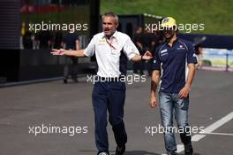 (L to R): Beat Zehnder (SUI) Sauber F1 Team Manager with Felipe Nasr (BRA) Sauber F1 Team. 02.07.2016. Formula 1 World Championship, Rd 9, Austrian Grand Prix, Spielberg, Austria, Qualifying Day.