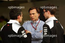 Jost Capito (GER) McLaren Chief Executive Officer (Centre). 09.10.2016. Formula 1 World Championship, Rd 17, Japanese Grand Prix, Suzuka, Japan, Race Day.