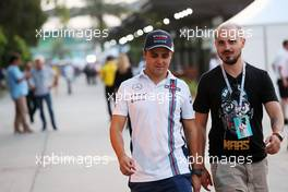 Jock Clear (GBR) Ferrari Engineering Director with his brother Dudu Massa (BRA). 01.10.2016. Formula 1 World Championship, Rd 16, Malaysian Grand Prix, Sepang, Malaysia, Saturday.