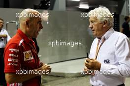 (L to R): Jock Clear (GBR) Ferrari Engineering Director with Charlie Whiting (GBR) FIA Delegate. 14.09.2018. Formula 1 World Championship, Rd 15, Singapore Grand Prix, Marina Bay Street Circuit, Singapore, Practice Day.