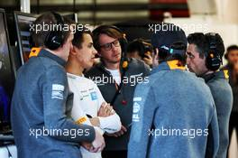 (L to R): Lando Norris (GBR) McLaren with Fernando Alonso (ESP) McLaren and Andrea Stella (ITA) McLaren Performance Director. 26.02.2019. Formula One Testing, Day One, Barcelona, Spain. Tuesday.