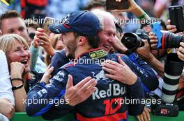 Pierre Gasly (FRA) Scuderia Toro Rosso celebrates his second position in parc ferme with Dr Helmut Marko (AUT) Red Bull Motorsport Consultant. 17.11.2019. Formula 1 World Championship, Rd 20, Brazilian Grand Prix, Sao Paulo, Brazil, Race Day.