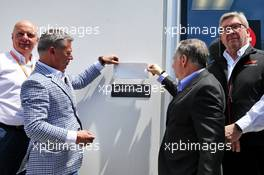 (L to R): Francois Dumontier (CDN) Promoter of the Canadian GP; Jean Todt (FRA) FIA President; and Ross Brawn (GBR) Managing Director, Motor Sports, unveil a plaque to Charlie Whiting. 08.06.2019. Formula 1 World Championship, Rd 7, Canadian Grand Prix, Montreal, Canada, Qualifying Day.
