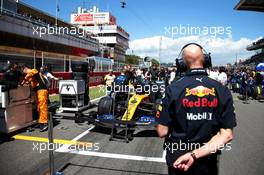 Adrian Newey (GBR) Red Bull Racing Chief Technical Officer on the grid. 12.05.2019. Formula 1 World Championship, Rd 5, Spanish Grand Prix, Barcelona, Spain, Race Day.