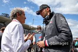 (L to R): Alain Prost (FRA) Renault F1 Team Special Advisor with Esteban Ocon (FRA) Mercedes AMG F1 Reserve Driver on the grid. 08.09.2019. Formula 1 World Championship, Rd 14, Italian Grand Prix, Monza, Italy, Race Day.