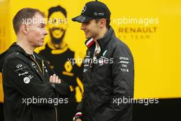 Alan Permane (GBR), Renault Sport F1 Team Trackside Operations Director and Esteban Ocon (FRA), Mercedes AMG F1  24.10.2019. Formula 1 World Championship, Rd 18, Mexican Grand Prix, Mexico City, Mexico, Preparation Day.