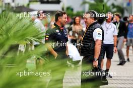 (L to R): Christian Horner (GBR) Red Bull Racing Team Principal with Zak Brown (USA) McLaren Executive Director. 28.09.2019. Formula 1 World Championship, Rd 16, Russian Grand Prix, Sochi Autodrom, Sochi, Russia, Qualifying Day.