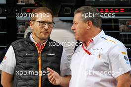 (L to R): Andreas Seidl, McLaren Managing Director with Zak Brown (USA) McLaren Executive Director. 30.11.2019. Formula 1 World Championship, Rd 21, Abu Dhabi Grand Prix, Yas Marina Circuit, Abu Dhabi, Qualifying Day.