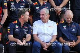 (L to R): Christian Horner (GBR) Red Bull Racing Team Principal; Dr Helmut Marko (AUT) Red Bull Motorsport Consultant; and Adrian Newey (GBR) Red Bull Racing Chief Technical Officer, at a team photograph. 28.11.2019. Formula 1 World Championship, Rd 21, Abu Dhabi Grand Prix, Yas Marina Circuit, Abu Dhabi, Preparation Day.