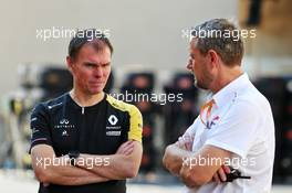 (L to R): Alan Permane (GBR) Renault F1 Team Trackside Operations Director with Steve Nielsen (GBR) FOM Sporting Director. 28.11.2019. Formula 1 World Championship, Rd 21, Abu Dhabi Grand Prix, Yas Marina Circuit, Abu Dhabi, Preparation Day.