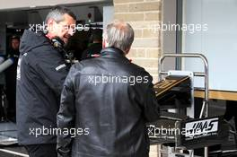 (L to R): Guenther Steiner (ITA) Haas F1 Team Prinicipal with Gene Haas (USA) Haas Automotion President. 01.11.2019. Formula 1 World Championship, Rd 19, United States Grand Prix, Austin, Texas, USA, Practice Day.