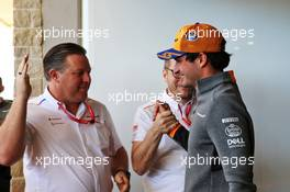 Carlos Sainz Jr (ESP) McLaren celebrates 100 Grands Prix Zak Brown (USA) McLaren Executive Director, Andreas Seidl, McLaren Managing Director and the team. 03.11.2019. Formula 1 World Championship, Rd 19, United States Grand Prix, Austin, Texas, USA, Race Day.