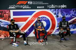 The post race FIA Press Conference (L to R): Lewis Hamilton (GBR) Mercedes AMG F1, second; Max Verstappen (NLD) Red Bull Racing, race winner; Valtteri Bottas (FIN) Mercedes AMG F1, third. 09.08.2020. Formula 1 World Championship, Rd 5, 70th Anniversary Grand Prix, Silverstone, England, Race Day.