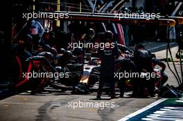 Max Verstappen (NLD) Red Bull Racing RB16 makes a pit stop. 09.08.2020. Formula 1 World Championship, Rd 5, 70th Anniversary Grand Prix, Silverstone, England, Race Day.