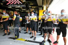 Renault F1 Team celebrate at the end of qualifying. 08.08.2020. Formula 1 World Championship, Rd 5, 70th Anniversary Grand Prix, Silverstone, England, Qualifying Day.