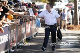 Zak Brown (USA) McLaren Executive Director with fans. 12.03.2020. Formula 1 World Championship, Rd 1, Australian Grand Prix, Albert Park, Melbourne, Australia, Preparation Day.