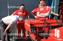 Andrea Stella (ITA) McLaren Performance Director looks at the Ferrari SF1000. 12.03.2020. Formula 1 World Championship, Rd 1, Australian Grand Prix, Albert Park, Melbourne, Australia, Preparation Day.