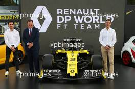 (L to R): Antoine Magnan (FRA) Renault Sport Racing Head of Partnerships; Glen Hilton, DP World Australia CEO & Managing Director; Cyril Abiteboul (FRA) Renault Sport F1 Managing Director - livery reveal. Australian Grand Prix, Wednesday 11th March 2020. Albert Park, Melbourne, Australia. 11.03.2020. Formula 1 World Championship, Rd 1, Australian Grand Prix, Albert Park, Melbourne, Australia, Preparation Day.