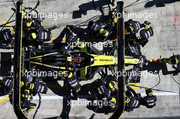 Esteban Ocon (FRA) Renault F1 Team RS20 makes a pit stop. 05.07.2020. Formula 1 World Championship, Rd 1, Austrian Grand Prix, Spielberg, Austria, Race Day.