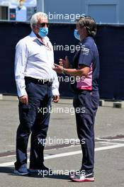 (L to R): Lawrence Stroll (CDN) Racing Point F1 Team Investor with Andy Stevenson (GBR) Racing Point F1 Team Manager. 05.07.2020. Formula 1 World Championship, Rd 1, Austrian Grand Prix, Spielberg, Austria, Race Day.
