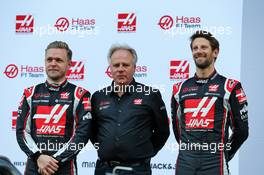 (L to R): Kevin Magnussen (DEN) Haas F1 Team; Gene Haas (USA) Haas Automotion President; Romain Grosjean (FRA) Haas F1 Team. 19.02.2020. Formula One Testing, Day One, Barcelona, Spain. Wednesday.
