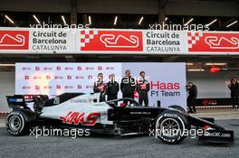 (L to R): Kevin Magnussen (DEN) Haas F1 Team; Gene Haas (USA) Haas Automotion President; Guenther Steiner (ITA) Haas F1 Team Prinicipal; and Romain Grosjean (FRA) Haas F1 Team, with the Haas VF-20. 19.02.2020. Formula One Testing, Day One, Barcelona, Spain. Wednesday.