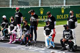 Grid atmosphere - drivers end racism pledge. 30.08.2020. Formula 1 World Championship, Rd 7, Belgian Grand Prix, Spa Francorchamps, Belgium, Race Day.