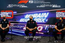 (L to R): Simon Roberts (GBR) Williams Racing F1 Acting Team Principal; Guenther Steiner (ITA) Haas F1 Team Prinicipal; and Toyoharu Tanabe (JPN) Honda Racing F1 Technical Director, in the FIA Press Conference. 27.11.2020. Formula 1 World Championship, Rd 15, Bahrain Grand Prix, Sakhir, Bahrain, Practice Day