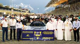 The FIA thanks Volunteers and Officials on the grid. 29.11.2020. Formula 1 World Championship, Rd 15, Bahrain Grand Prix, Sakhir, Bahrain, Race Day.