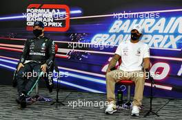 (L to R): Valtteri Bottas (FIN) Mercedes AMG F1 and Lewis Hamilton (GBR) Mercedes AMG F1 in the post qualifying FIA Press Conference. 28.11.2020. Formula 1 World Championship, Rd 15, Bahrain Grand Prix, Sakhir, Bahrain, Qualifying Day.