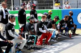 Drivers on the grid with their end racism support. 16.08.2020. Formula 1 World Championship, Rd 6, Spanish Grand Prix, Barcelona, Spain, Race Day.