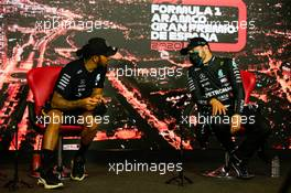 (L to R): Lewis Hamilton (GBR) Mercedes AMG F1 and team mate Valtteri Bottas (FIN) Mercedes AMG F1 in the post race FIA Press Conference. 16.08.2020. Formula 1 World Championship, Rd 6, Spanish Grand Prix, Barcelona, Spain, Race Day.