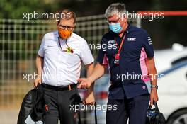 (L to R): Andreas Seidl, McLaren Managing Director with Otmar Szafnauer (USA) Racing Point F1 Team Principal and CEO. 16.08.2020. Formula 1 World Championship, Rd 6, Spanish Grand Prix, Barcelona, Spain, Race Day.