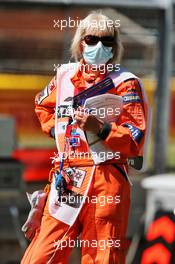 Circuit atmosphere - marshal in the pits. 31.07.2020. Formula 1 World Championship, Rd 4, British Grand Prix, Silverstone, England, Practice Day.