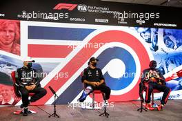 (L to R): Valtteri Bottas (FIN) Mercedes AMG F1; Lewis Hamilton (GBR) Mercedes AMG F1; and Lewis Hamilton (GBR) Mercedes AMG F1, in the post qualifying FIA Press Conference. 01.08.2020. Formula 1 World Championship, Rd 4, British Grand Prix, Silverstone, England, Qualifying Day.
