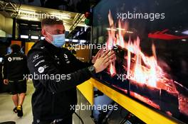 Renault F1 Team - virtual fireplace in the pit garage. 09.10.2020. Formula 1 World Championship, Rd 11, Eifel Grand Prix, Nurbugring, Germany, Practice Day.