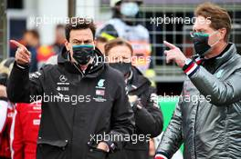 (L to R): Toto Wolff (GER) Mercedes AMG F1 Shareholder and Executive Director with Ola Kallenius (SWE) Daimler Chairman of the Board of Management and Head of Mercedes-Benz on the grid. 11.10.2020. Formula 1 World Championship, Rd 11, Eifel Grand Prix, Nurbugring, Germany, Race Day.