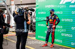 Max Verstappen (NLD) Red Bull Racing in parc ferme with David Coulthard (GBR) Channel 4 F1 Commentator. 11.10.2020. Formula 1 World Championship, Rd 11, Eifel Grand Prix, Nurbugring, Germany, Race Day.
