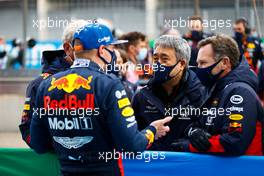 Max Verstappen (NLD) Red Bull Racing in parc ferme with Masashi Yamamoto (JPN) Honda Racing F1 Managing Director and Christian Horner (GBR) Red Bull Racing Team Principal. 11.10.2020. Formula 1 World Championship, Rd 11, Eifel Grand Prix, Nurbugring, Germany, Race Day.