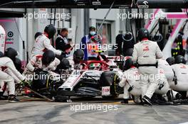 Antonio Giovinazzi (ITA) Alfa Romeo Racing C39 makes a pit stop. 11.10.2020. Formula 1 World Championship, Rd 11, Eifel Grand Prix, Nurbugring, Germany, Race Day.