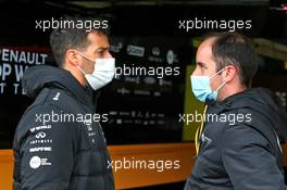 Daniel Ricciardo (AUS) Renault F1 Team with Karel Loos (BEL) Renault F1 Team Race Engineer. 08.10.2020. Formula 1 World Championship, Rd 11, Eifel Grand Prix, Nurbugring, Germany, Preparation Day.
