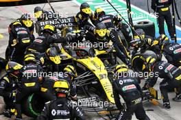 Esteban Ocon (FRA) Renault F1 Team RS20 makes a pit stop. 19.07.2020. Formula 1 World Championship, Rd 3, Hungarian Grand Prix, Budapest, Hungary, Race Day.