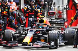 Alexander Albon (THA) Red Bull Racing RB16 makes a pit stop. 19.07.2020. Formula 1 World Championship, Rd 3, Hungarian Grand Prix, Budapest, Hungary, Race Day.
