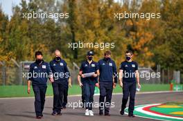 Pierre Gasly (FRA) AlphaTauri walks the circuit with the team. 30.10.2020. Formula 1 World Championship, Rd 13, Emilia Romagna Grand Prix, Imola, Italy, Practice Day.
