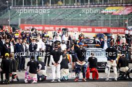 Drivers on the grid for the F1 end racism message. 01.11.2020. Formula 1 World Championship, Rd 13, Emilia Romagna Grand Prix, Imola, Italy, Race Day.